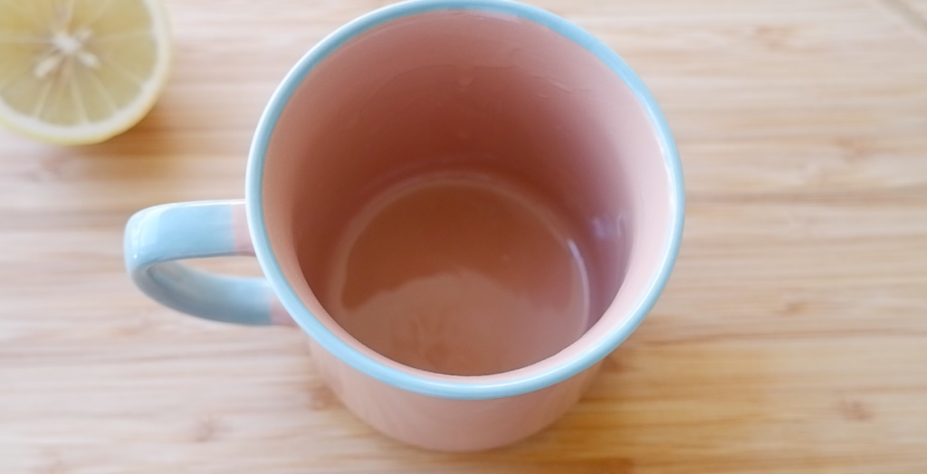 grease the mug with oil